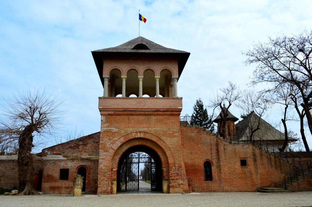 Turnul-portii-mogosoaia