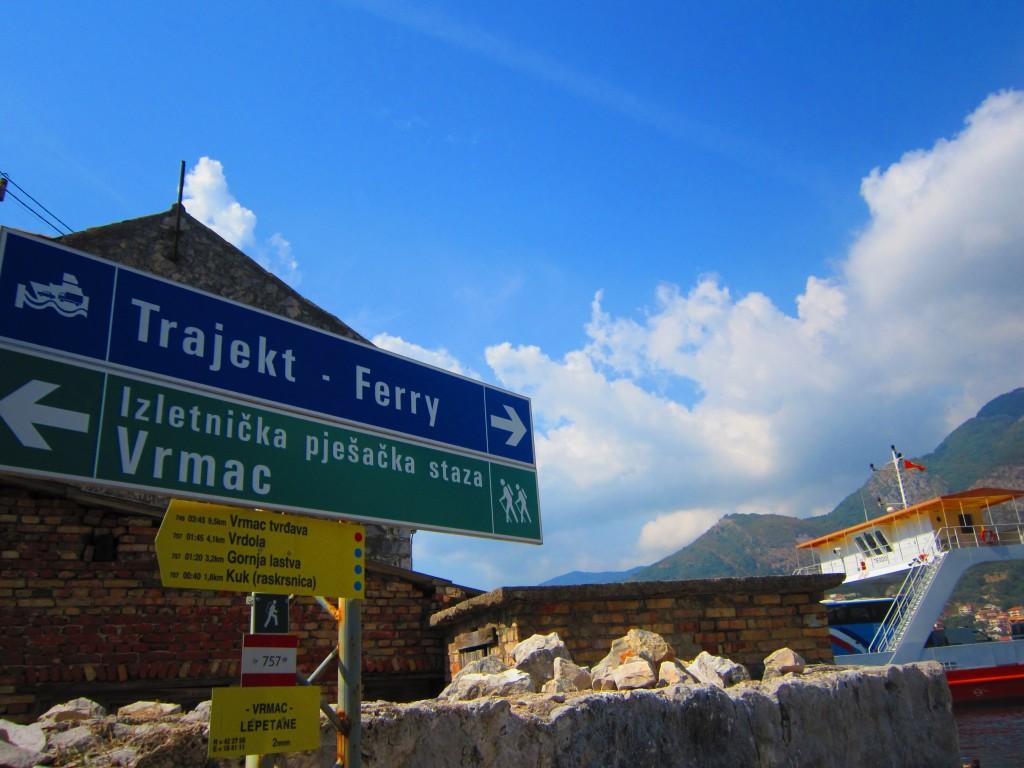 ferryboatul-pe-Kotor