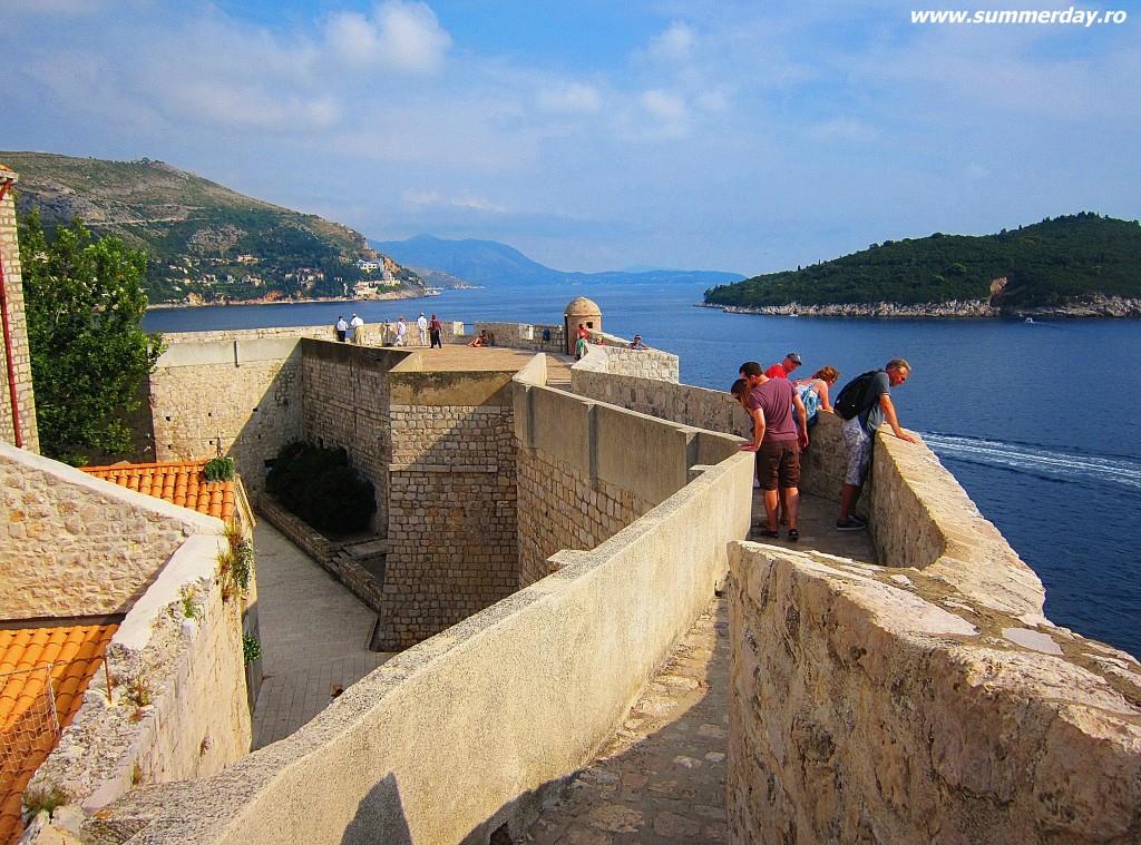 pe-zidurile-Dubrovnikului