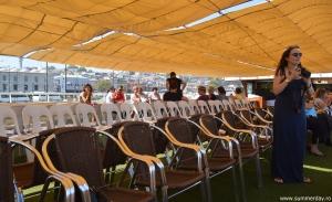 pe-puntea-vasului-de-croaziera