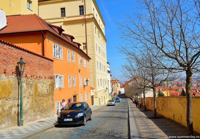 Uvoz-street-prague