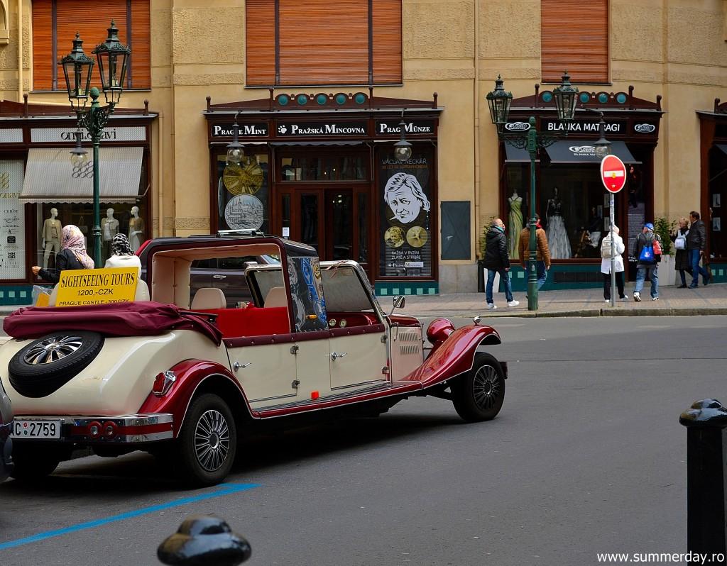 automobil-vintage-Praga