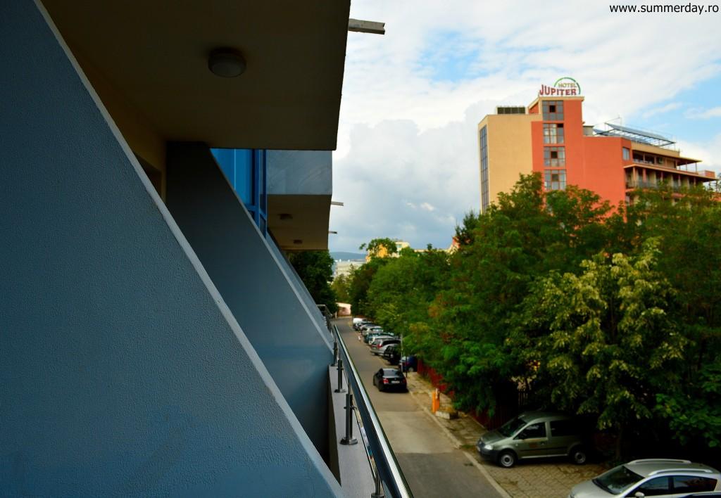vedere-din-balcon-spre-hotel-jupiter