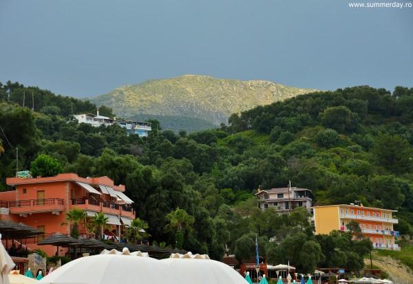 hoteluri-valtos-beach