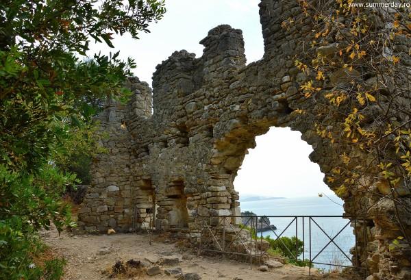 zid-de-aparare-castelul-venetian