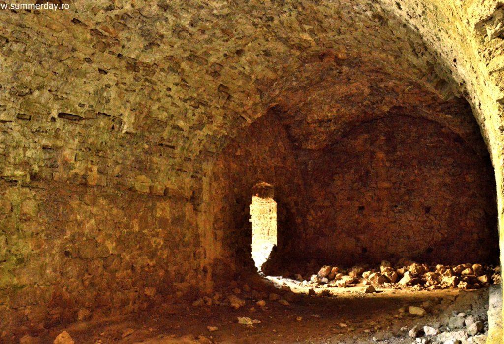 in-interiorul-castelului